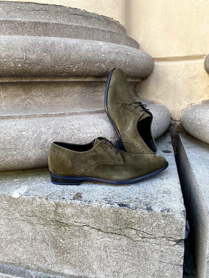Nette Floris van Bommel schoenen voor op kantoor