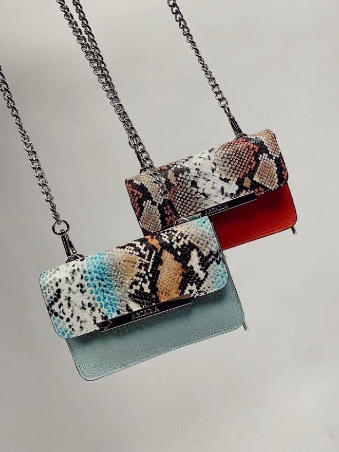 Shop de allerleukste crossbody tassen van onze topmerken