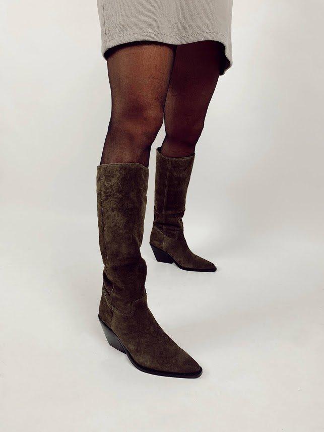 Chic met deze lange laarzen van onze luxemerken